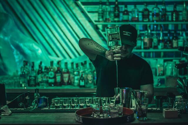 barman a lavoro